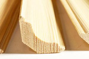 Плинтус и галтель деревянные