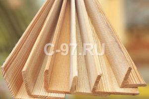 Деревянный уголок лиственница